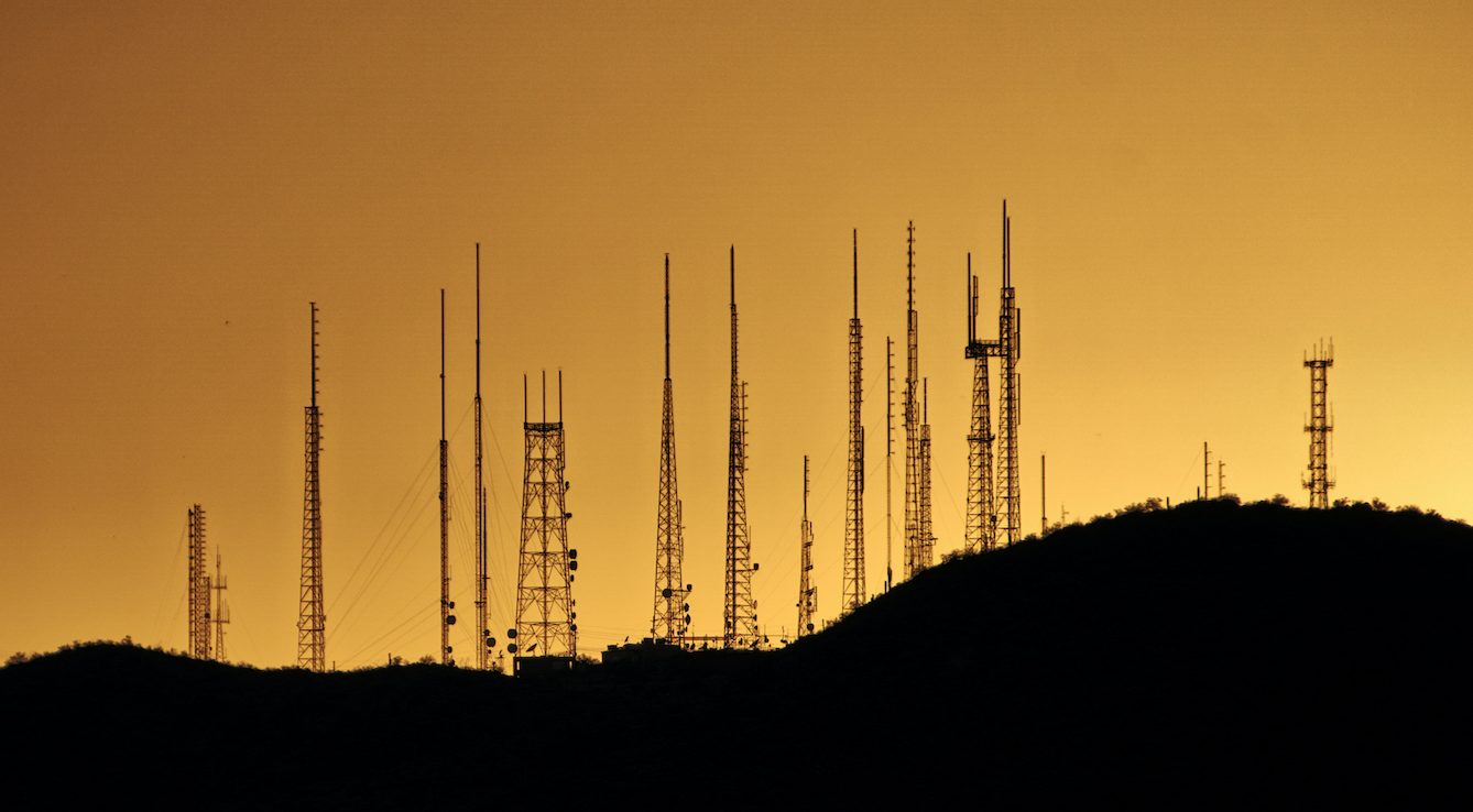 Scientists say link between COVID-19 and 5G are false